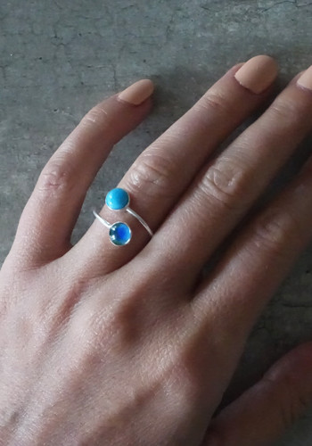 silver mood ring with turquoise stone